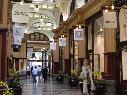 Discover Melbourne's Hidden Secrets with our Specialist Tour Guide